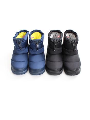 ロング丈のブーツは外だとあたたかいけれど、室内にいると汗をかいたりムレが気になったりしますよね。そんな方にはショート丈のブーツがおすすめ。防寒はもちろん、通気性がよかったり滑りにくかったりなど、機能性の高いブーツも最近では数多く出ているので、ぜひお気に入りを見つけてみて。