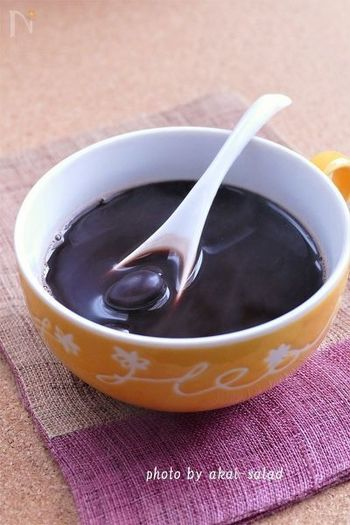 黒豆煮と煮汁にココアを加えた黒豆ココア。栄養価も高く、ヘルシーなおやつ代わりにもおすすめです。