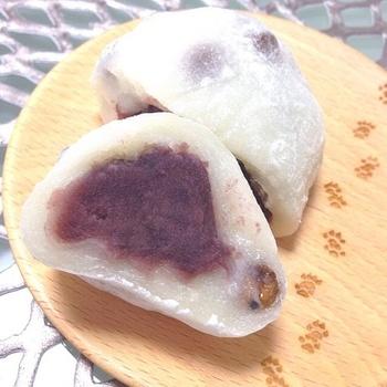 瑞穂の豆大福は、買った当日が賞味期限。もし複数個買った場合は冷凍し、食べるときに自然解凍すると、美味しくいただけるそうです。まとめ買いしたら、この方法を試してみてくださいね。