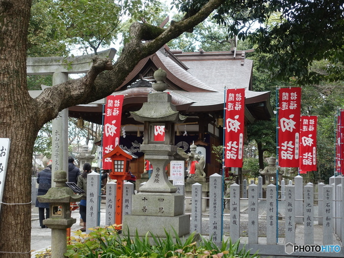 「葛葉稲荷神社」の通称で親しまれている、信太森葛葉稲荷神社は708年に創建された神社です。
