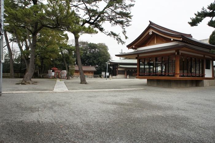 岸和田城の鎮守神社でもある岸城神社は、恋愛、結婚、縁結びのご利益が強いことでも知られています。