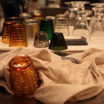 柔らかな質感のリネンのワッフルクロス。毎日使う食器拭きだから、濡れても乾きやすいのがうれしいですよね。繊維がつきにくいのもポイント。
