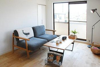 ワンルームの小さな賃貸住宅であっても、自分らしく心地よく暮らしたいですよね。一人暮らしのお部屋を気持ちよく整えて、小さな暮らしを楽しむエッセンスを集めてみました。