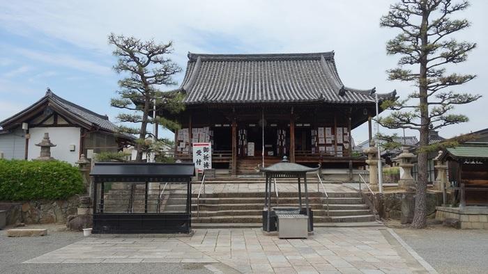 堺市西区に位置する家原寺は、奈良時代に民衆へ仏教の布教活動を行い、民衆から厚い支持を得ていた行基が開基した寺院で、704年に創建されたものです。