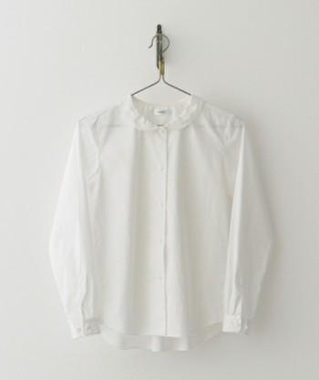 シーズンレスに使えるプレーンシャツ。でもどうせなら、その着回しバリエをさらに増やし、冬コーデの幅をうんと広げてみませんか?そこで今回ピックアップしたのが、シンプルシャツを使った7つの着回しテク。すぐに真似できそうなものに絞りましたので、ぜひチェックして、冬のファッション計画に役立ててみてくださいね。
