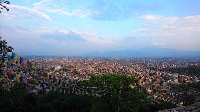南アジアのネパール連邦民主共和国、通称ネパール。首都であるカトマンズは1979年にユネスコの世界文化遺産に指定され、観光スポットとして世界的に人気があります。