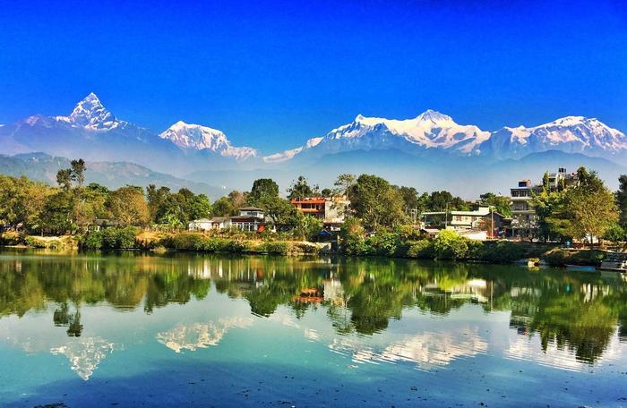 NILO(ニロ)とは、ネパール語で「青色」のこと。