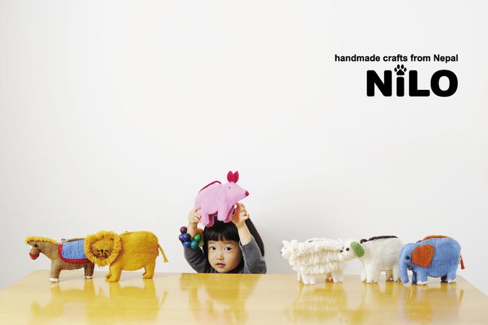 とぼけた表情が愛おしい。「NILO(ニロ)」のアニマルポーチ