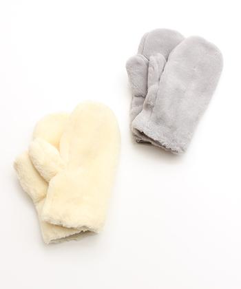 ふわふわの可愛らしい手袋は女性らしさ溢れるあるアイテム。フェイクファーだからお手入れも簡単。気軽に手元のオシャレに取り入れられます。