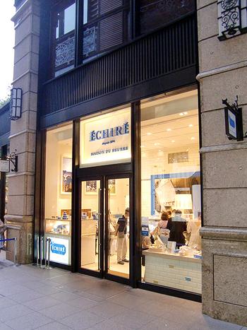 フランスの有名なバター「エシレ/ECHIRE」を扱った、世界初のエシレ・バター専門店「ECHIRE MAISON DU BEURRE」。CACAO SAMPAKAの隣にありますよ。