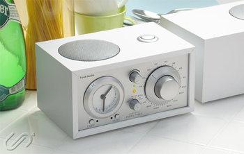 ラジオ付き目覚まし時計は、目覚まし時計の一つのカテゴリーです。さまざまな機能に注目して、買う前に詳しくチェックしてみましょう。アラーム音の代わりにラジオを流せるなど、使い勝手の幅がぐんと広がるものも♪