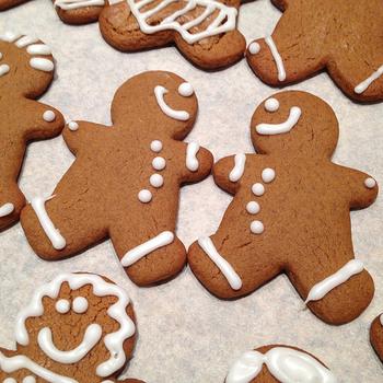 クリスマスにお目見えする生姜入りクッキー「ジンジャーブレッドマン」もその中の一つ。少しパンチの効いた味になりますが、そこがまた魅力♪生姜スイーツをいろいろ味わってみてくださいね。