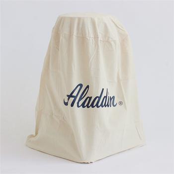 使わない時にサッとしまってきれいなまま保管できる専用の収納袋もありますよ。