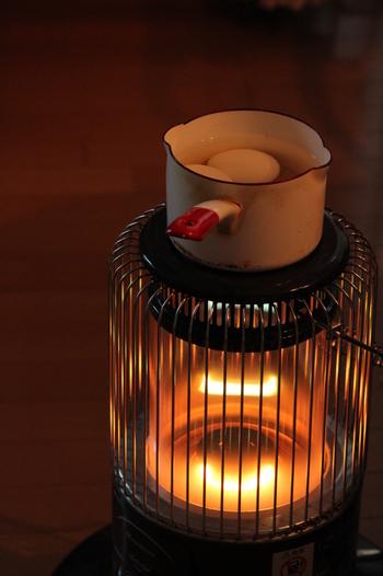 コトコト煮込むお料理も下ごしらえしてからストーブの上にON♪弱火でじっくり煮込んだような出来映えになりますよ。 ガス代や電気代の節約にもつながります。  そんなこんなで見た目だけでなく、毎日の暮らしの中でもストーブは大活躍してくれそうです!