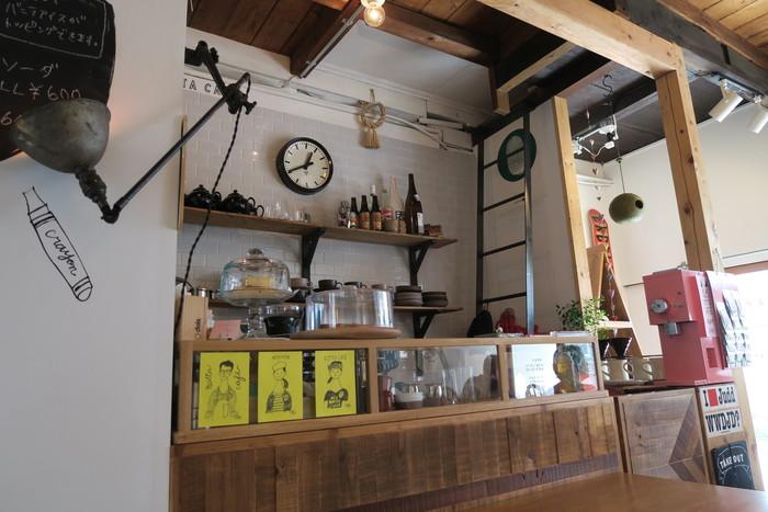 古民家を改装して作られた「NOTTA CAFE(ノッタカフェ)」は観光地から離れた、西院の路地にある隠れ家的カフェ。オーナーのセンスが随所に光るお洒落な内装。どこを切り取っても絵になります。