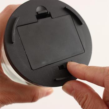 電池式で簡単に移動出来るので、シチュエーションによってさまざまな場所で使える優れもの。LEDライトはホワイトとゴールドから選べるので、お部屋の雰囲気に合わせてチョイスしてみてくださいね。