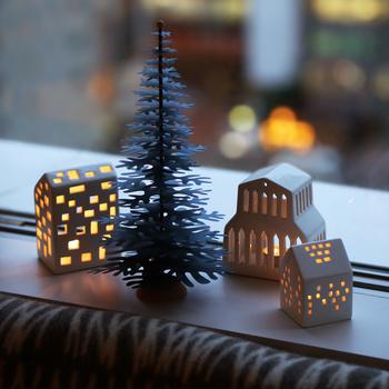 気温がぐっと下がって、街にイルミネーションが灯りはじめると、クリスマスはもうすぐそこ♪大人になっても不思議とワクワクする、一年でとびきり素敵なイベント「クリスマス」。今年はちょっぴりこだわった大人のクリスマスアイテムを準備してみませんか?