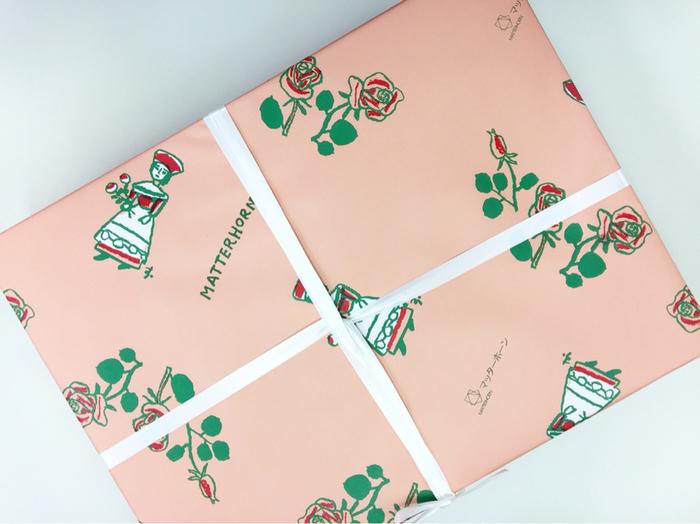 包装紙の種類もさまざま。 用途によって違うのも嬉しいですよね。