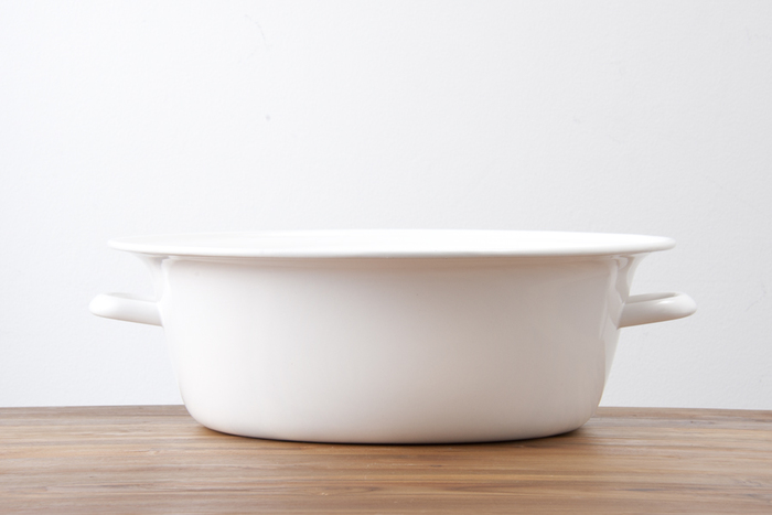 洗濯板と合わせて使いたいのがたらいですよね。シンプルで清潔感のある野田琺瑯のたらいは洗濯にぴったりです。