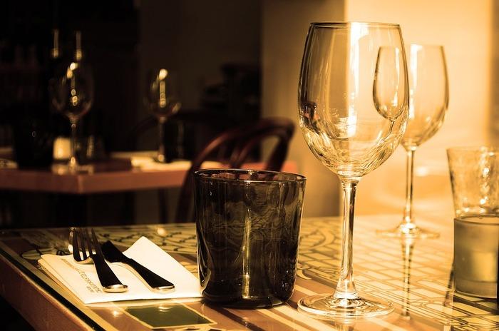記念日やイベントなど、1年にたった1度の大切な日はいつもより少しオシャレをして特別な場所で食事をしませんか?  今回は都内でちょっぴり贅沢に、デートを盛り上げてくれる素敵なお店をご紹介します♪
