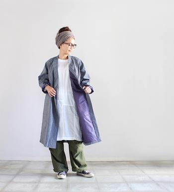 """""""作務衣(さむえ)""""からデザインのインスピレーションを得た、和を感じさせるコート。大きく重なるフロント部分が個性的ですが、デニム生地を使ったり、ラグランスリーブに仕上げたりと、普段のカジュアルコーデに合わせやすいデザインになっています。ワークパンツ、チノパン、デニムパンツとの相性は抜群♪"""