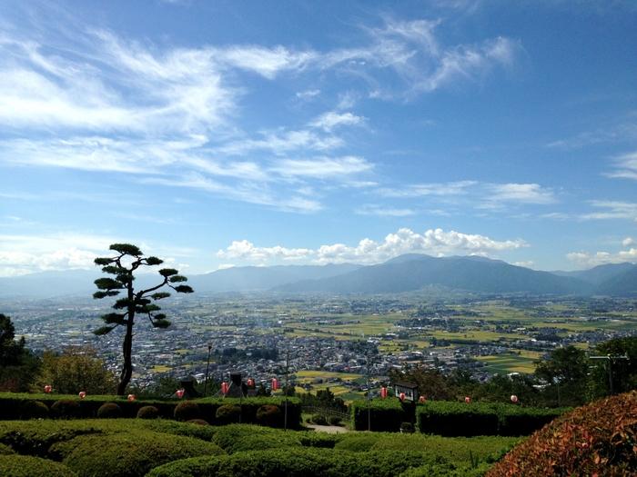 2005年10月に豊科町、穂高町、三郷村、堀金村、明科町の5町村が合併して誕生した安曇野市。