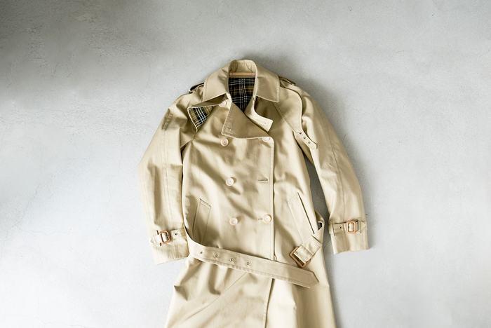 デザイナーの日高久代氏・パターンカッターの宮原秀晃氏が手がけるブランド「Scye(サイ)」。そのブランド名は、袖ぐり・鎌を意味するテーラー用語だそう。 糸と素材を作り、縫製する、そのほとんどを日本国内でおこなっています。