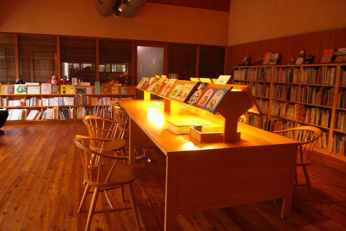 国内外の絵本3.000冊が揃う絵本の部屋、子どもの展示室、子どもの部屋などあり、小さな子ども連れでも安心して美術館を楽しめます。