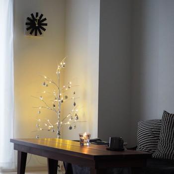 ナチュラルな雰囲気にあったクリスマスデコレーションはいかがでしたか?身近で揃う木の実を使ったり、自然素材を取り入れて素敵なクリスマスインテリアを作ってみてくださいね。