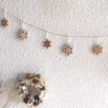 クッキーのような見た目がキュートな雪の結晶。 さりげなくクリスマス気分を盛り上げてくれます。