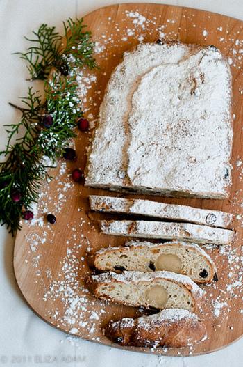 昔ながらの伝統を守りながら作るケーキや、プティングやクッキーが定番に親しまれている国などもあり、様々です。今回は、そんな世界の国々で親しまれているクリスマスケーキの紹介と、おうちでも作れるクリスマスケーキのレシピをご紹介したいと思います。今年のクリスマスは、毎年食べるケーキとはまた違った雰囲気のケーキでクリスマスを楽しんでみてはいかがでしょうか…