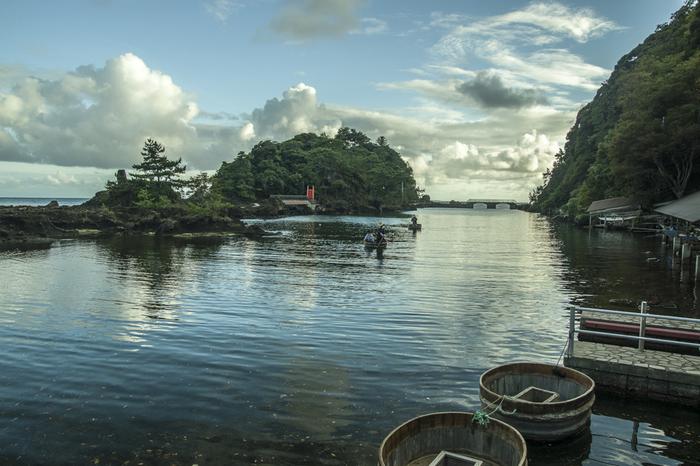 佐渡島で人気アクティビティ「たらい舟」で有名な小木。