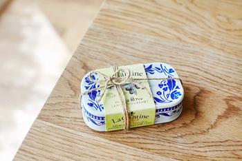 まずは見た目の可愛さ!キッチンに置いてあっても、「サバ缶」だとは気付かれないお洒落なデザイン。食べ終わった後も、捨てずにとっておきたくなるくらいです。