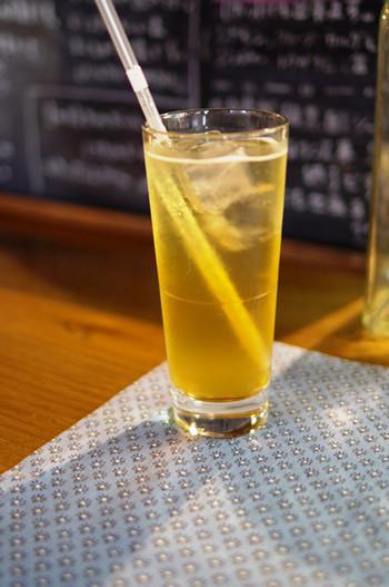 こちらは自家製のジンジャーソーダ。生姜とスパイスが入っているそうで、甘さの中にピリッとした辛みを感じる1杯です。暑い日はもちろん、冬でも飲みたくなる味は秩父散策の休憩にぴったり。