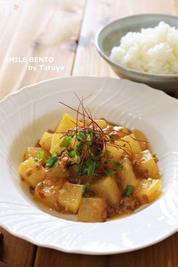 豆腐の代わりに角切りにした大根で作る麻婆です。豆腐と違って煮崩れることがなく、大根のジュースでさっぱりいただけます。辛さを控えめにするか抜いてしまえば、子どももおいしく食べられます。