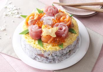 押し寿司の上にアレンジして、ケーキ仕立てに。