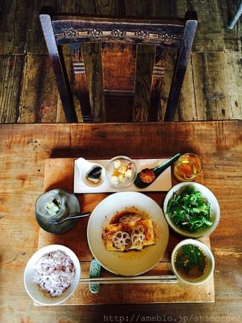 北浦和駅から徒歩3分の「nofu」。 「家族に作るあたり前の食事」をコンセプトに、季節を大切にした定食と甘味がいただけます。