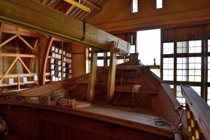 日本初の完全復元に成功した千石船「白山丸」には、自由に入ることができるので、内部の作りもしっかりと見学できます。