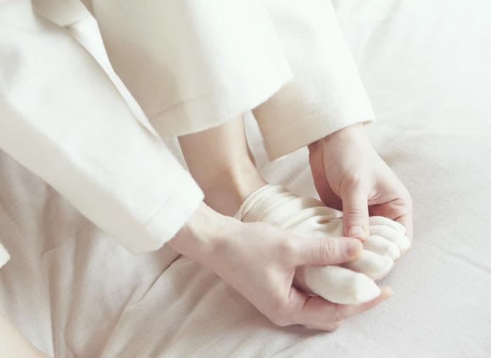 オーガニックコットン製品で定評のあるブランド「PRISTINE(プリスティン)」より、冷え取り用の重ね履き靴下。