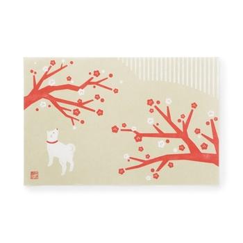 お正月らしい絵柄のランチョンマット5種類入り。紙でできているから気軽に使えて新年の集いにぴったり。