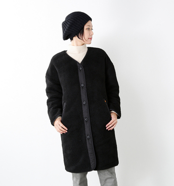 ノーカラーアウターは、襟の形や合わせるインナーによって様々な表情が引き出せるのが魅力です。この冬はノーカラーコートでバリエーション豊かなスタイルを楽しんでみてはいががでしょう。