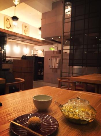 忙しい日常から解放されそうな、ほっこりとした気分になれる日本茶や和スイーツ。たまにはホッと一息つきながら楽しんでみてはいかがでしょうか。日本茶の深い味わいに癒されてくださいね。