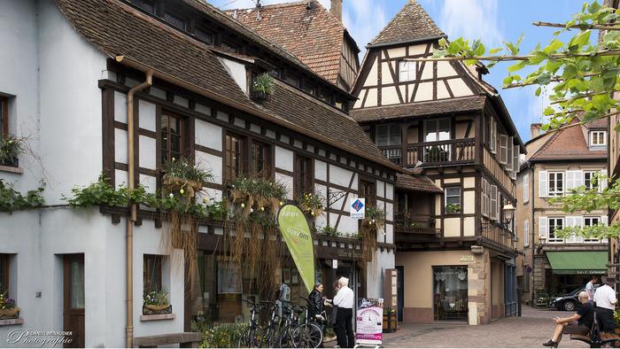 13世紀からワインの生産地として栄えたオベルネでは、現在でもアルザス地方特有の伝統的な歴史的建造物が数多く残されています。