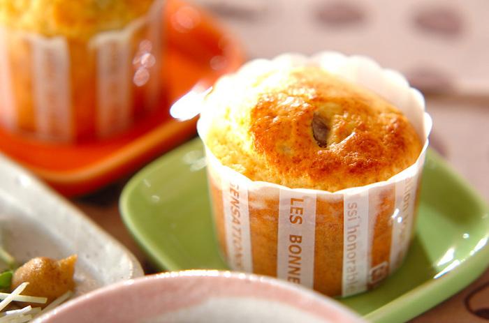 天津甘栗の食感と甘さが楽しめるマフィンです。ホットケーキミックスで本格的な味のスイーツが作れるなんて嬉しいですね。