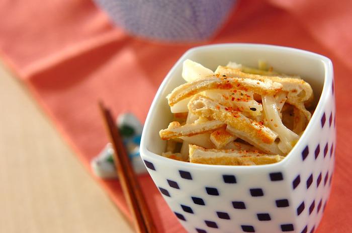 キャベツではなく白菜を使った和風コールスロー。冬は白菜が多く出回りますから、お安くたっぷり作れるのもうれしいですね。