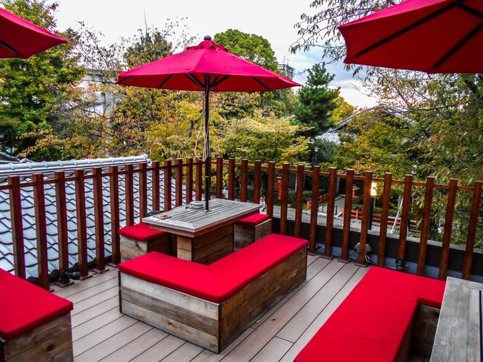 京都のカフェでは、抹茶やわらび餅などの和素材を使ったパフェに出会えます。老舗から最近オープンしたお店まで、それぞれこだわりや個性があり、京都に行くたびに、新しい発見があってわくわくしますよね。京都の旅に美味しい和パフェを味うことをプラスしてみましょう♪♪