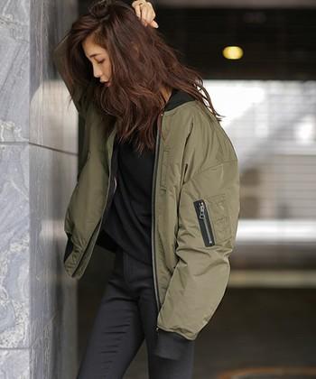 また最近のダウンコートはカジュアルなものから、スーツにも合わせられるような美シンプルなデザインのものまで幅広い選択肢があるのも魅力ですよね。  どんなブランドのダウンコートがあるのか、そしてそのコーデ術もあわせてどうぞご覧ください!