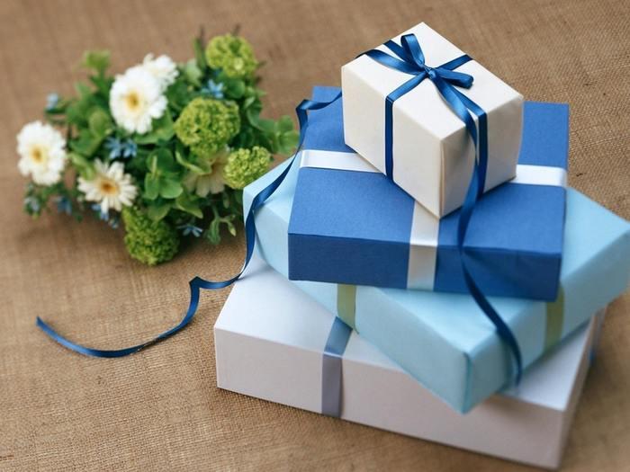 プレゼントを選ぶときには、ラッピングにもこだわりたいもの。素敵なラッピングをしてくれるネットショップで、受け取る人に喜んでもらえるプレゼント選びをしてみるのはいかがでしょうか?