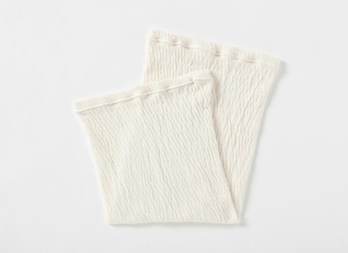 """気になるポリウレタンは、オーガニックコットン糸の芯として使用。""""肌に当たる部分""""はコットンなので安心ですね。 ■素材:オーガニックコットン51%、シルク48%、ポリウレタン1%"""