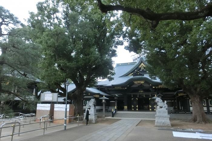 北欧では、冬至が祝祭とされていたことをお伝えしましたが、日本でも伊勢神宮や全国各地で「冬至祭」が行われますよ♪ その昔、境内を整地したときに横穴から金銅の御神像が発見されたことから、その名がついた「穴八幡宮」でも毎年お祭りが開かれます。